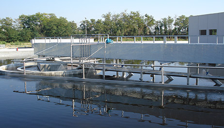 High efficiency in removing biological sludge and floating particles